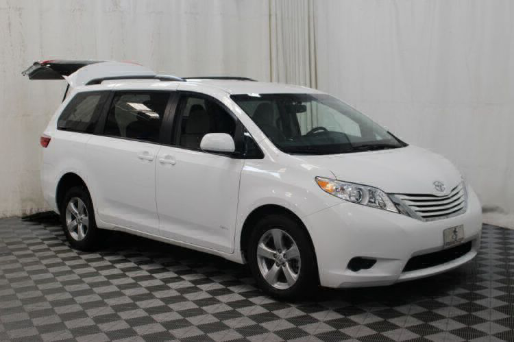 2015 Toyota Sienna LE Wheelchair Van For Sale #3