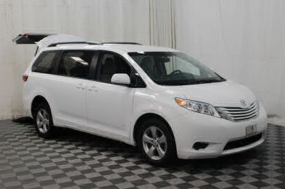 2015 Toyota Sienna Wheelchair Van For Sale -- Thumb #3