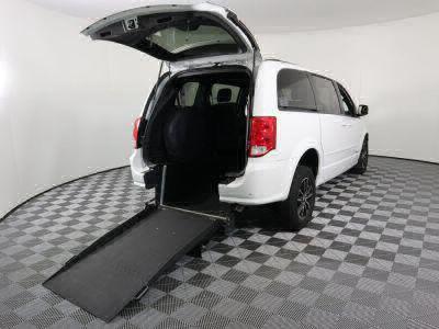 Commercial Wheelchair Vans for Sale - 2016 Dodge Grand Caravan R/T ADA Compliant Vehicle VIN: 2C4RDGEG4GR375187