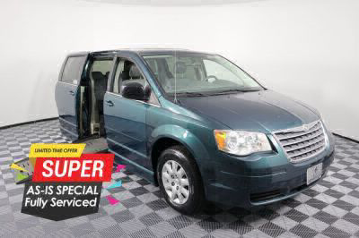 Handicap Van for Sale - 2009 Chrysler Town & Country LX Wheelchair Accessible Van VIN: 2A8HR44E09R569934