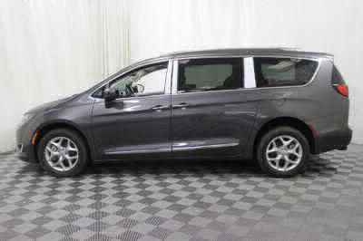 2017 Chrysler Pacifica Wheelchair Van For Sale -- Thumb #27