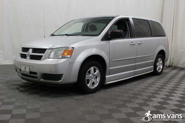 2009 dodge grand caravan wheelchair van for sale 27 495. Black Bedroom Furniture Sets. Home Design Ideas