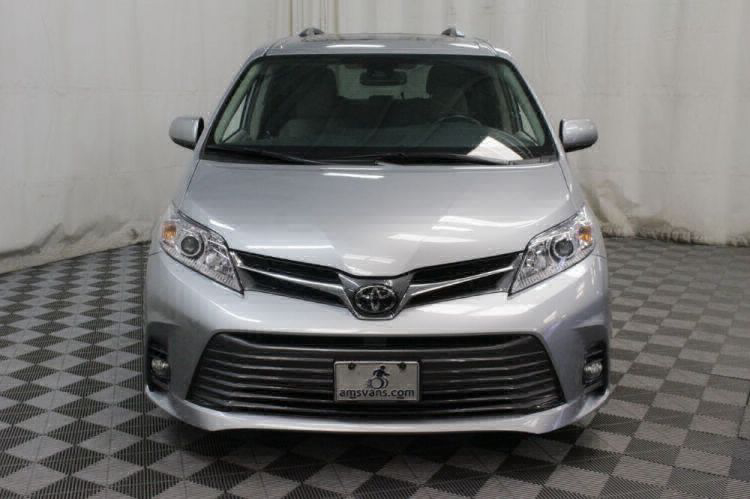 2019 Toyota Sienna XLE Wheelchair Van For Sale #33