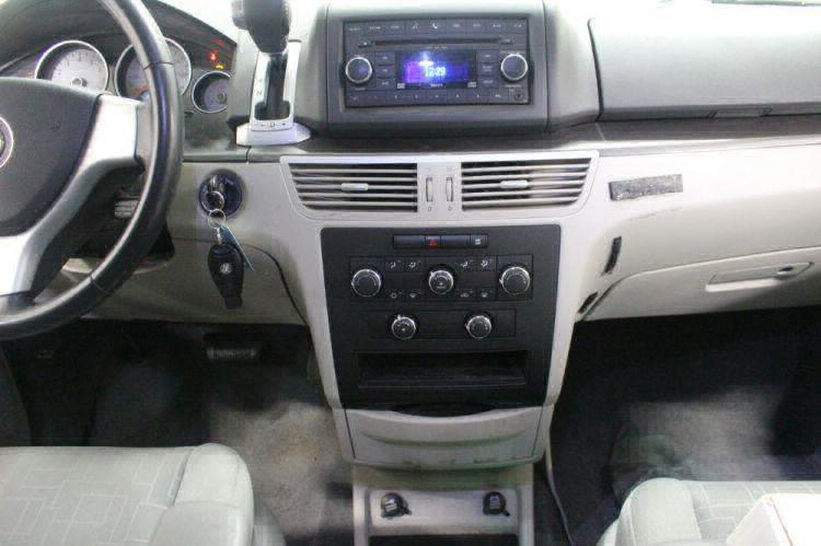 2009 Volkswagen Routan SE Wheelchair Van For Sale #17