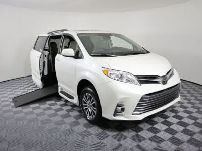 Commercial Wheelchair Vans for Sale - 2020 Toyota Sienna XLE ADA Compliant Vehicle VIN: 5TDYZ3DC0LS028364