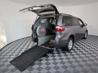 New Wheelchair Van for Sale - 2018 Toyota Sienna LE Wheelchair Accessible Van VIN: 5TDKZ3DC3JS902838