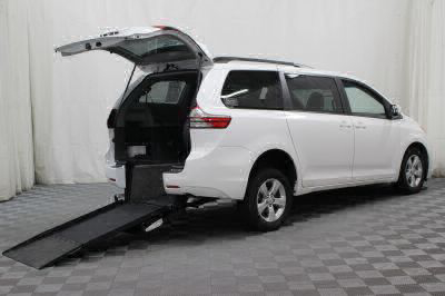 Commercial Wheelchair Vans for Sale - 2016 Toyota Sienna LE ADA Compliant Vehicle VIN: 5TDKK3DC1GS694441