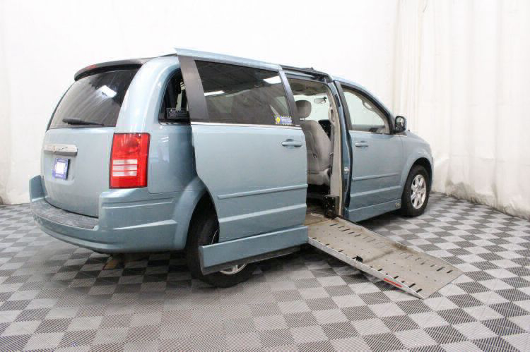 2008 Chrysler Town and Country Touring Wheelchair Van For Sale #3