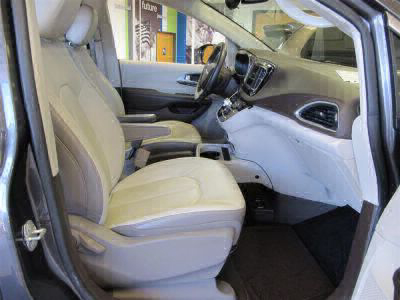 2018 Chrysler Pacifica Wheelchair Van For Sale -- Thumb #33