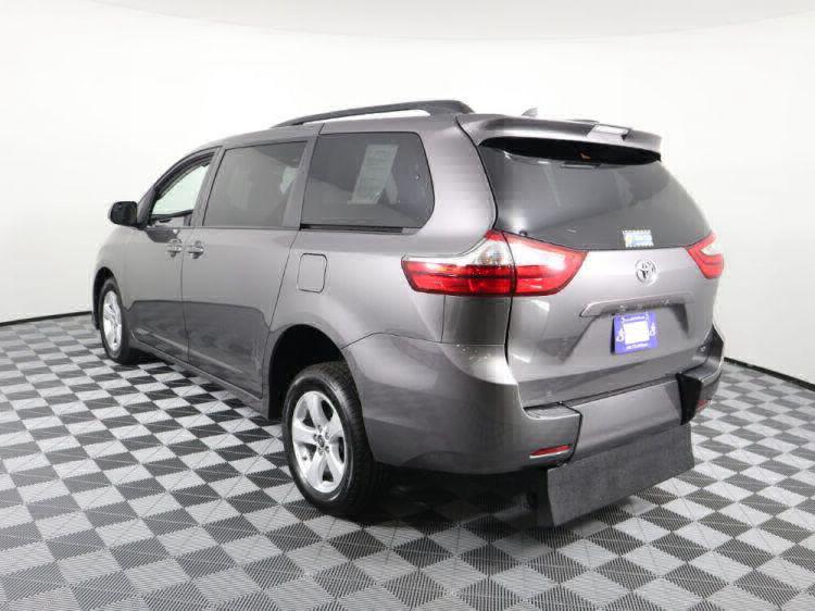 2018 Toyota Sienna LE Wheelchair Van For Sale #31