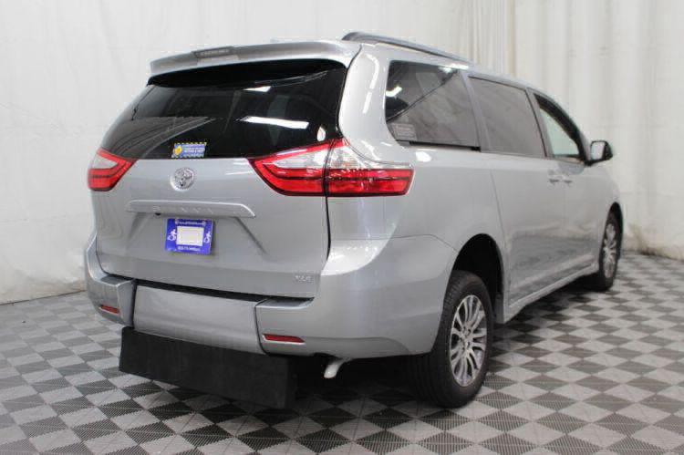 2019 Toyota Sienna XLE Wheelchair Van For Sale #7