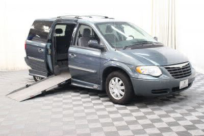 Used Wheelchair Van for Sale - 2006 Chrysler Town & Country Touring Wheelchair Accessible Van VIN: 2A4GP54LX6R760067