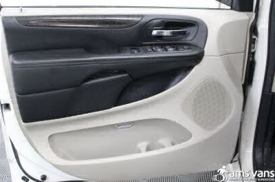 2012 Dodge Grand Caravan Wheelchair Van For Sale -- Thumb #15