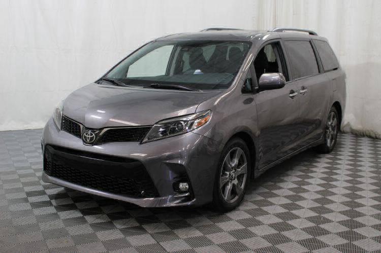 2018 Toyota Sienna SE Wheelchair Van For Sale #9