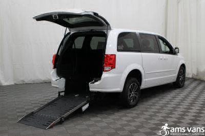 Commercial Wheelchair Vans for Sale - 2017 Dodge Grand Caravan SXT ADA Compliant Vehicle VIN: 2C4RDGCG6HR855462