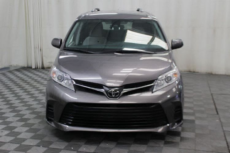 2018 Toyota Sienna LE Wheelchair Van For Sale #34