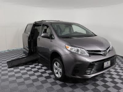 Handicap Van for Sale - 2018 Toyota Sienna LE Wheelchair Accessible Van VIN: 5TDKZ3DCXJS924514