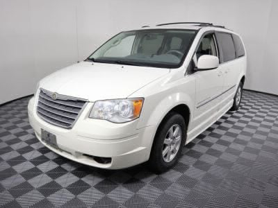 2010 Chrysler Town and Country Wheelchair Van For Sale -- Thumb #28