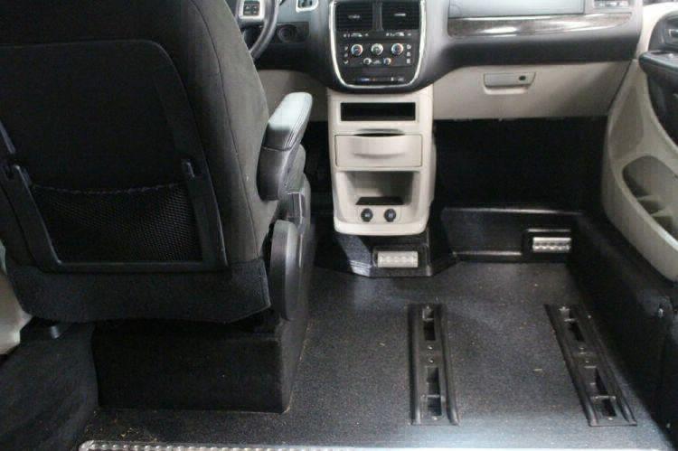 2016 Dodge Grand Caravan SXT Wheelchair Van For Sale #19