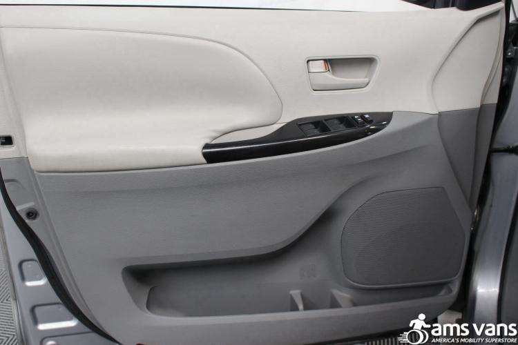 2011 Toyota Sienna LE Wheelchair Van For Sale #17