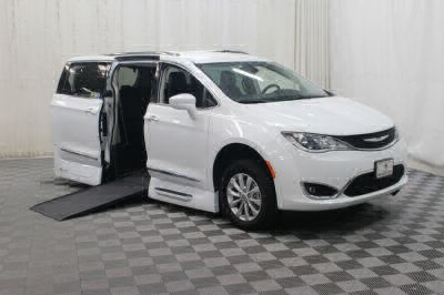 Used Wheelchair Van for Sale - 2018 Chrysler Pacifica Touring L Wheelchair Accessible Van VIN: 2C4RC1BG1JR120024