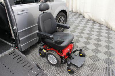 2017 Dodge Grand Caravan Wheelchair Van For Sale -- Thumb #38