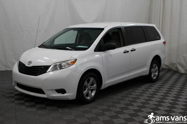 2013 Toyota Sienna L Wheelchair Van For Sale #14
