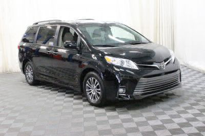 Commercial Wheelchair Vans for Sale - 2018 Toyota Sienna XLE ADA Compliant Vehicle VIN: 5TDYZ3DC2JS945352