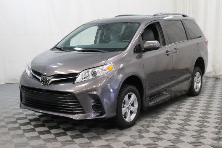2018 Toyota Sienna LE Wheelchair Van For Sale #22