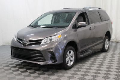 2018 Toyota Sienna Wheelchair Van For Sale -- Thumb #22