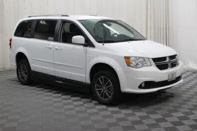2017 Dodge Grand Caravan Wheelchair Van For Sale -- Thumb #9