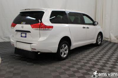 2013 Toyota Sienna Wheelchair Van For Sale -- Thumb #10