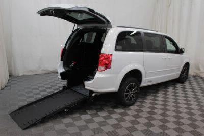 Commercial Wheelchair Vans for Sale - 2017 Dodge Grand Caravan GT ADA Compliant Vehicle VIN: 2C4RDGEGXHR737136