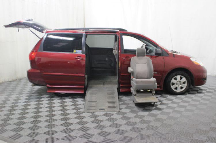 2010 Toyota Sienna LE Wheelchair Van For Sale #7
