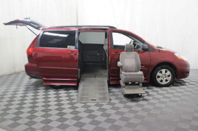 2010 Toyota Sienna Wheelchair Van For Sale -- Thumb #7