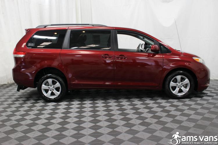 2011 Toyota Sienna LE Wheelchair Van For Sale #9