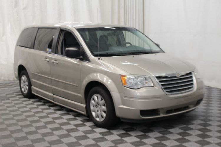 2009 Chrysler Town and Country LX Wheelchair Van For Sale #24