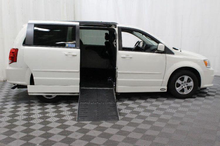 2013 Dodge Grand Caravan SXT Wheelchair Van For Sale #2