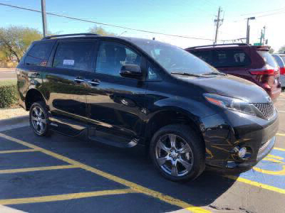 Used Wheelchair Van for Sale - 2017 Toyota Sienna SE Premium Wheelchair Accessible Van VIN: 5TDXZ3DCXHS834103