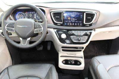 2018 Chrysler Pacifica Wheelchair Van For Sale -- Thumb #11