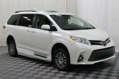 2018 Toyota Sienna Wheelchair Van For Sale -- Thumb #13