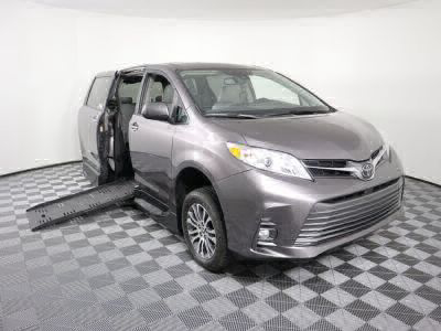 Handicap Van for Sale - 2019 Toyota Sienna XLE Wheelchair Accessible Van VIN: 5TDYZ3DCXKS990525