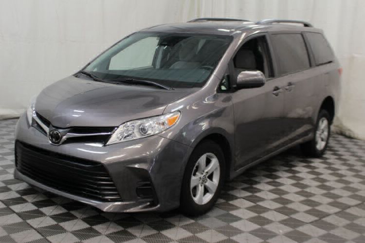 2018 Toyota Sienna LE Wheelchair Van For Sale #33