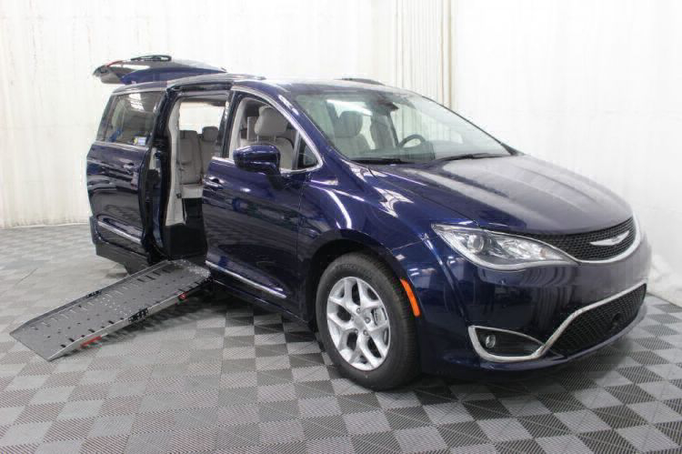 2017 Chrysler Pacifica Touring-L Plus Wheelchair Van For Sale #3
