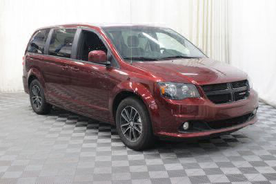 Commercial Wheelchair Vans for Sale - 2018 Dodge Grand Caravan SE Plus ADA Compliant Vehicle VIN: 2C4RDGBG3JR221338