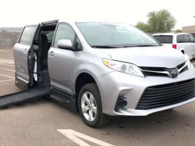 Handicap Van for Sale - 2018 Toyota Sienna LE Wheelchair Accessible Van VIN: 5TDKZ3DC0JS918219
