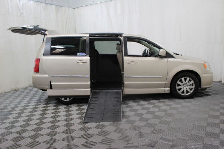 2014 Chrysler Town and Country Touring Wheelchair Van For Sale #2
