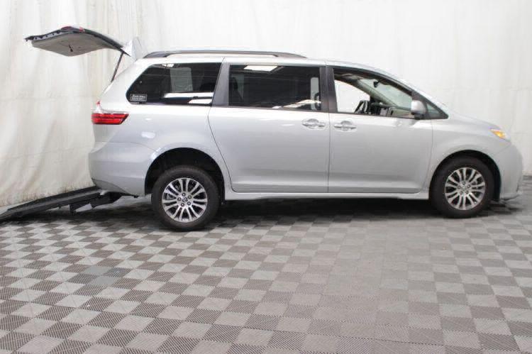 2019 Toyota Sienna XLE Wheelchair Van For Sale #3