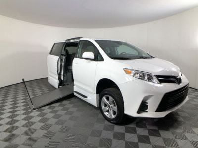 Used Wheelchair Van for Sale - 2019 Toyota Sienna LE 8-Passenger Wheelchair Accessible Van VIN: 5TDKZ3DC9KS009106