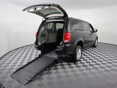 Commercial Wheelchair Vans for Sale - 2019 Dodge Grand Caravan SXT ADA Compliant Vehicle VIN: 2C4RDGCG7KR511517